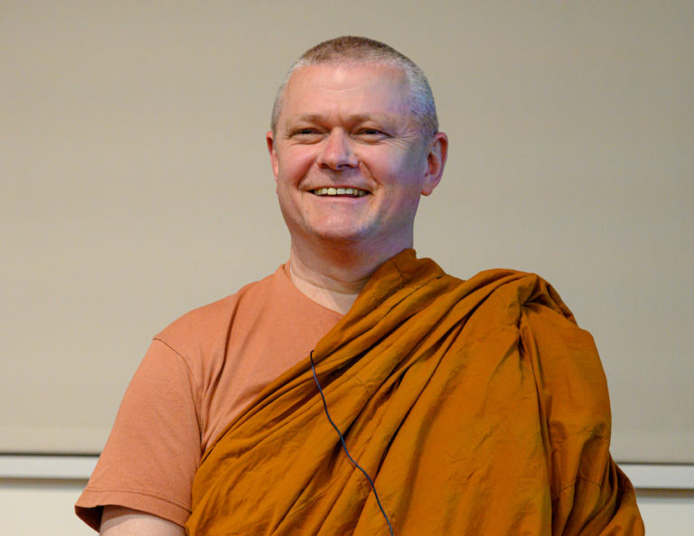 Ajahn Sujato – Instrukce k meditaci na dech (Kurz mettá, Javorie, 2019)